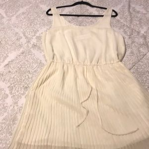 BCBGeneration off White pleated Dress NWT